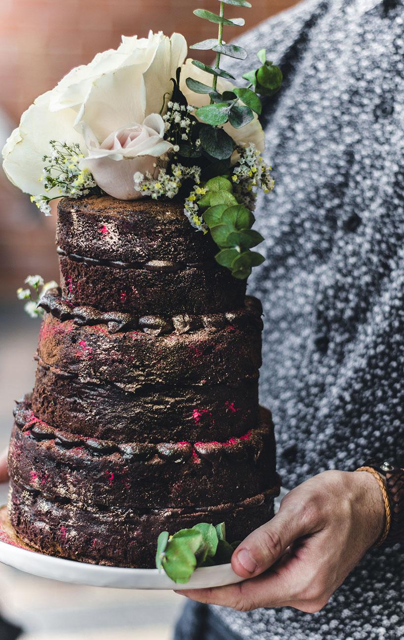 chocolate naked cake 02