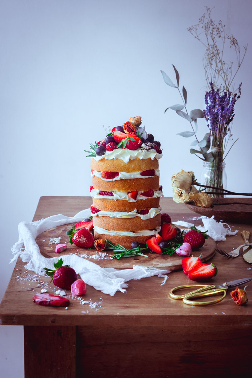 strawberry naked cake _00