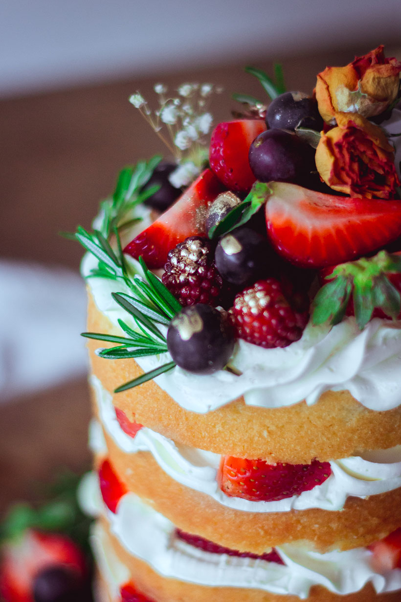 strawberry naked cake _01