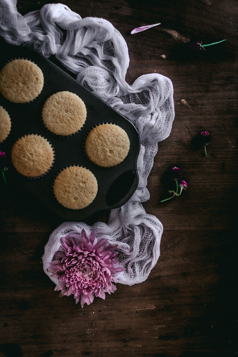 vanilla_bean_cupcakes-2951