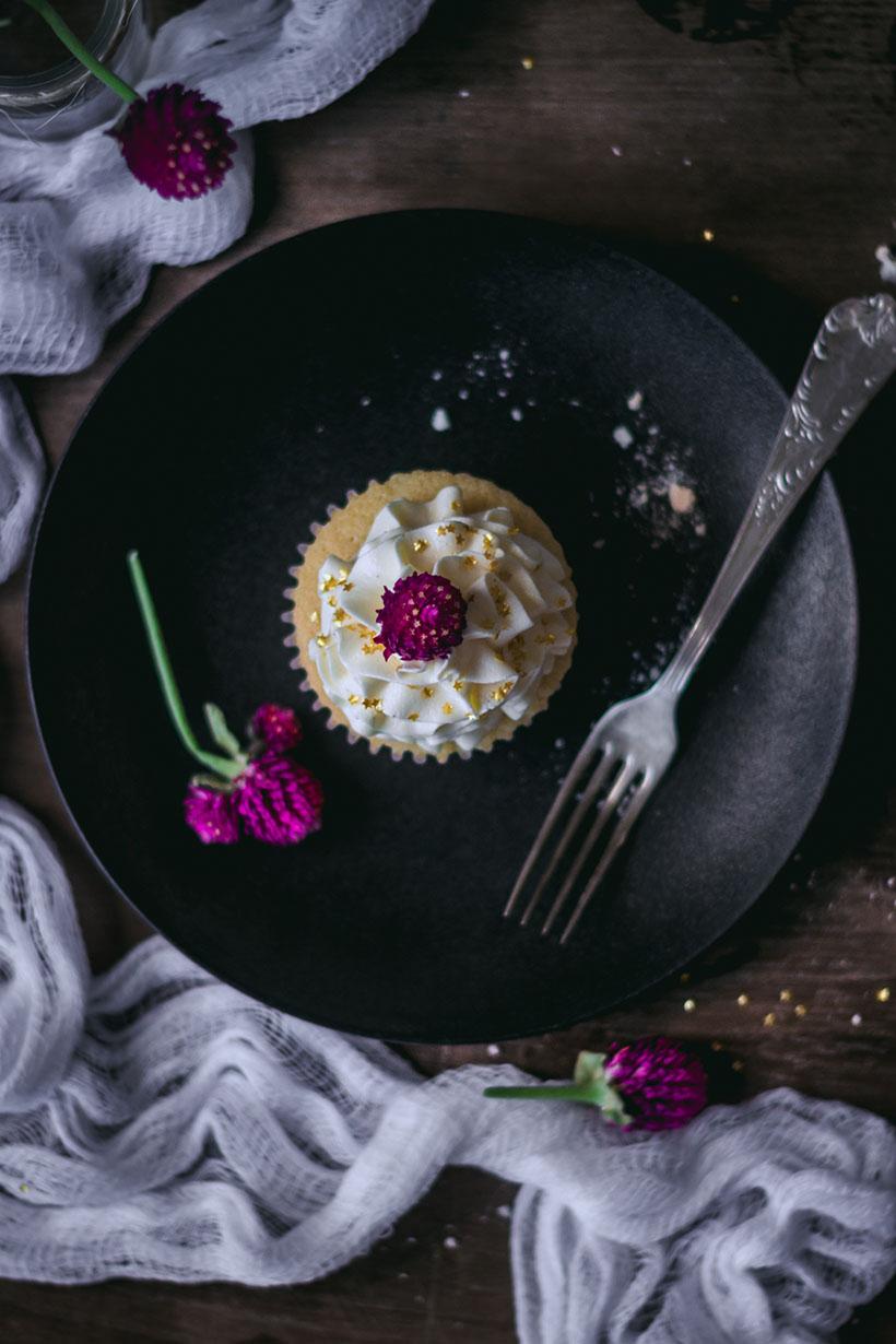 vanilla_bean_cupcakes-3071