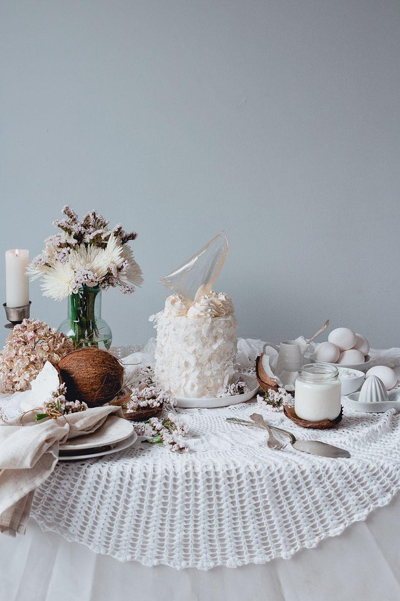 white_coconut_cake_-7428