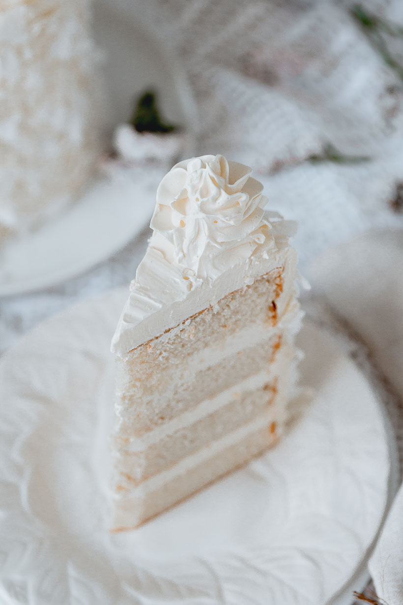 white_coconut_cake_-7519